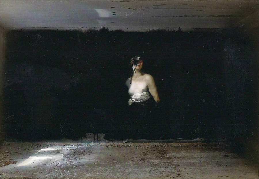 Classical-Paintings-in-Abandoned-Buildings5-900x622