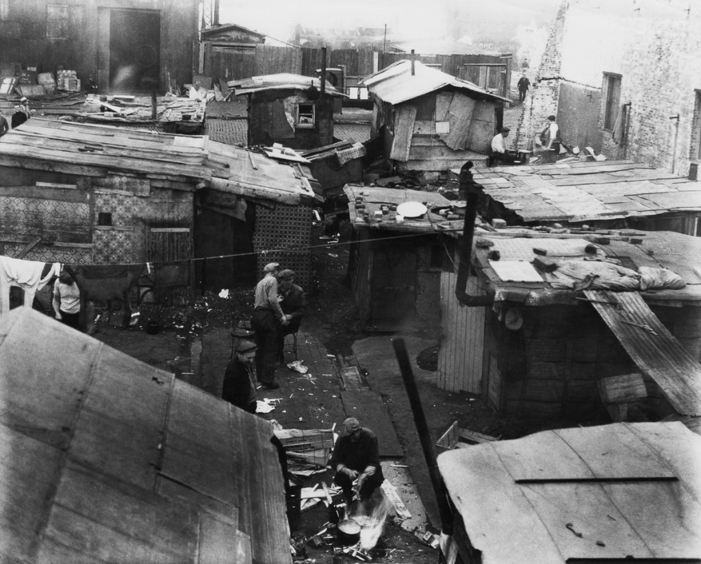 A 'Hooverville' or shanty town in the USA during the Great Depression, circa 1933. The towns were named after US President Herbert J. Hoover, who was held by many to be responsible for the financial crisis. (Photo by American Stock Archive/Archive Photos/Getty Images)