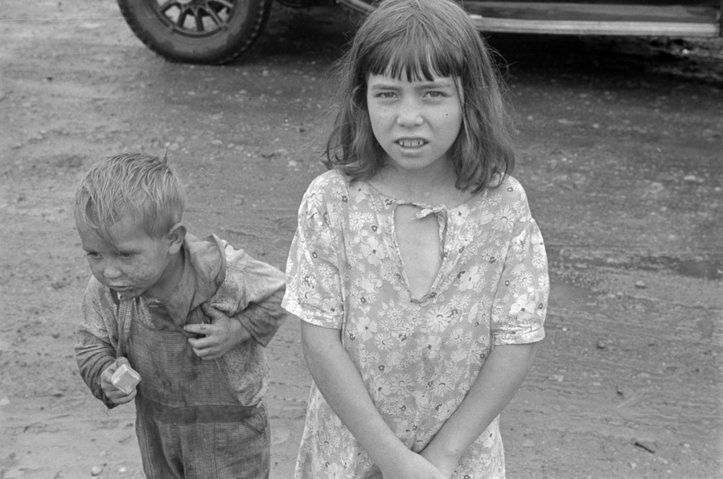 """Child dwellers in Circleville's """"Hooverville,"""" central Ohio. 1938 (Universal History Archive/UIG via Getty Images)"""