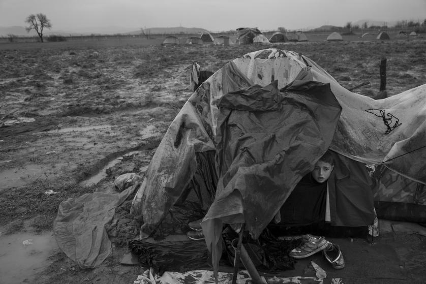 refugees-migrants-greece-idomeni-macedonia-james-nachtwey-02