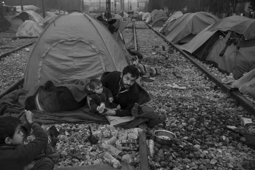 refugees-migrants-greece-idomeni-macedonia-james-nachtwey-05