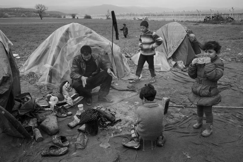 refugees-migrants-greece-idomeni-macedonia-james-nachtwey-09