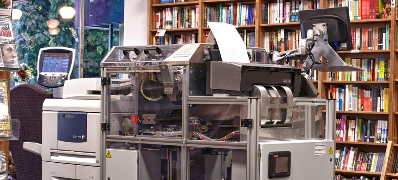 Abren-en-París-una-librería-donde-el-cliente-imprime-su-libro