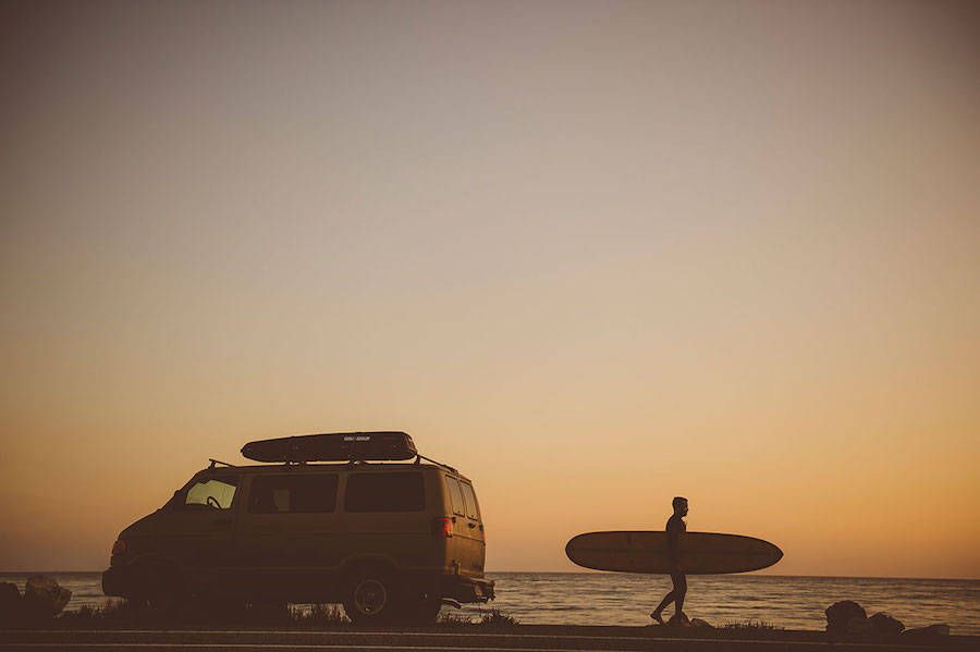 Unusual-Poetic-Pictures-of-Surfers1-900x599