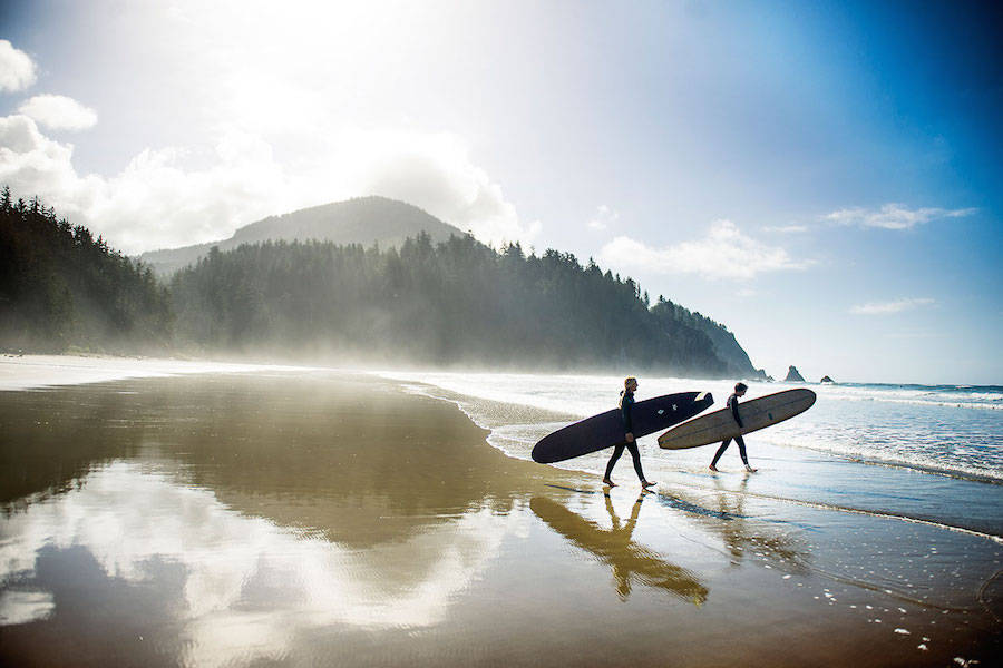 Unusual-Poetic-Pictures-of-Surfers10-900x600